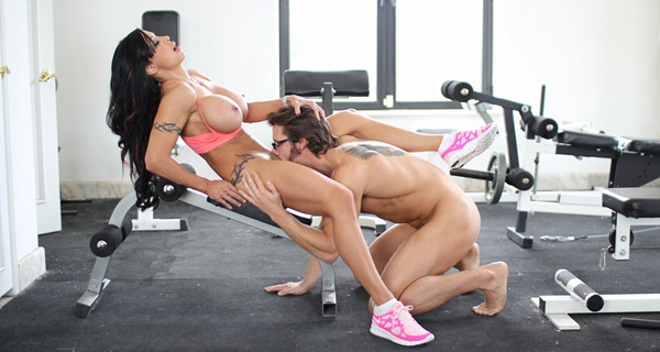 pure-mature-jewels-jade-gets-her-pussy-licked-in-the-gym